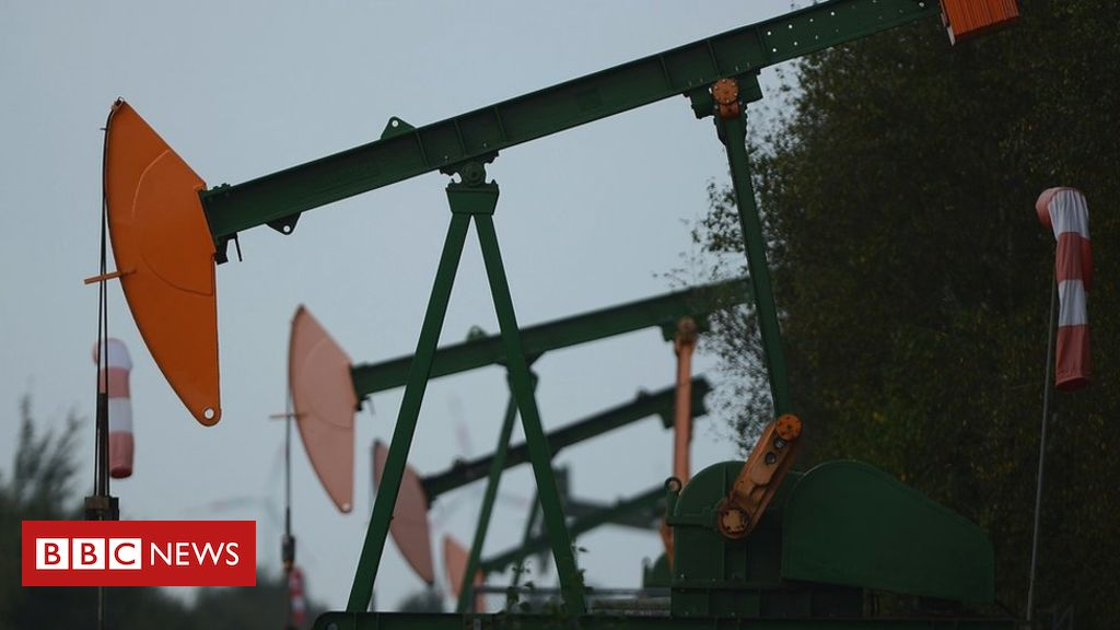 US oil prices drop to record low as demand dries up